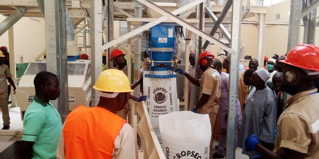 Cameroun : Une Usine De Transformation De Céréales destiné Voix Du Paysan