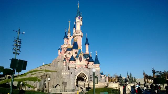 Château De La Belle Au Bois Dormant : Tout Savoir Du tout Dessin Chateau Disney