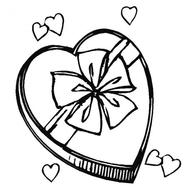Coloriage Cadeau En Coeur Pour Fête Des Mères avec Dessin Pour La Fête Des Mères