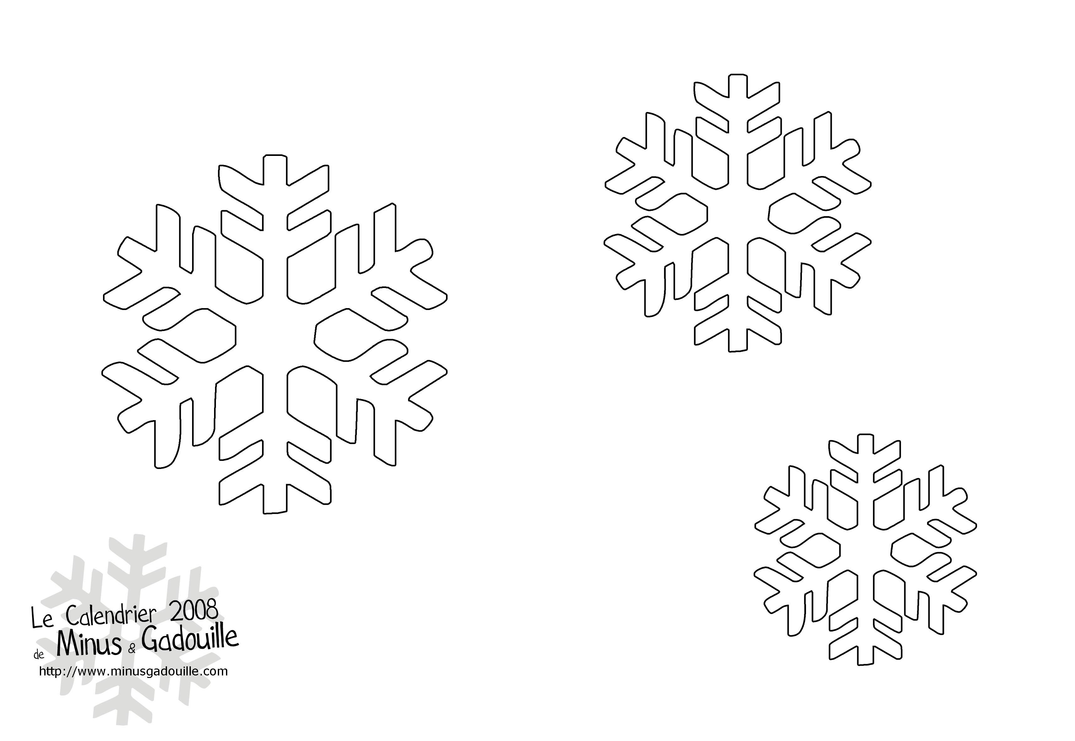 Découpages Snow Flakes Stencils For Diy Chrismas Decor concernant Pochoir Noel Gratuit Imprimer
