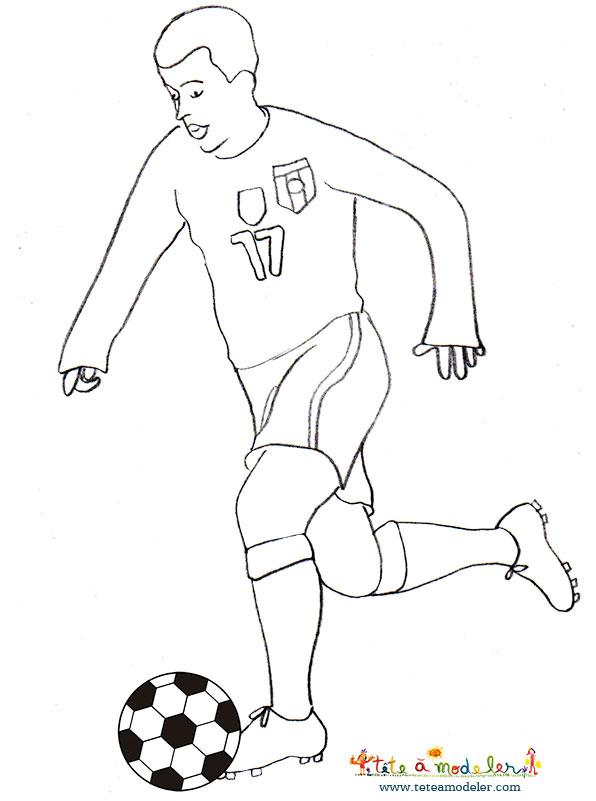 Dessin De Joueur De Foot (5) destiné Coloriage De Footballeur