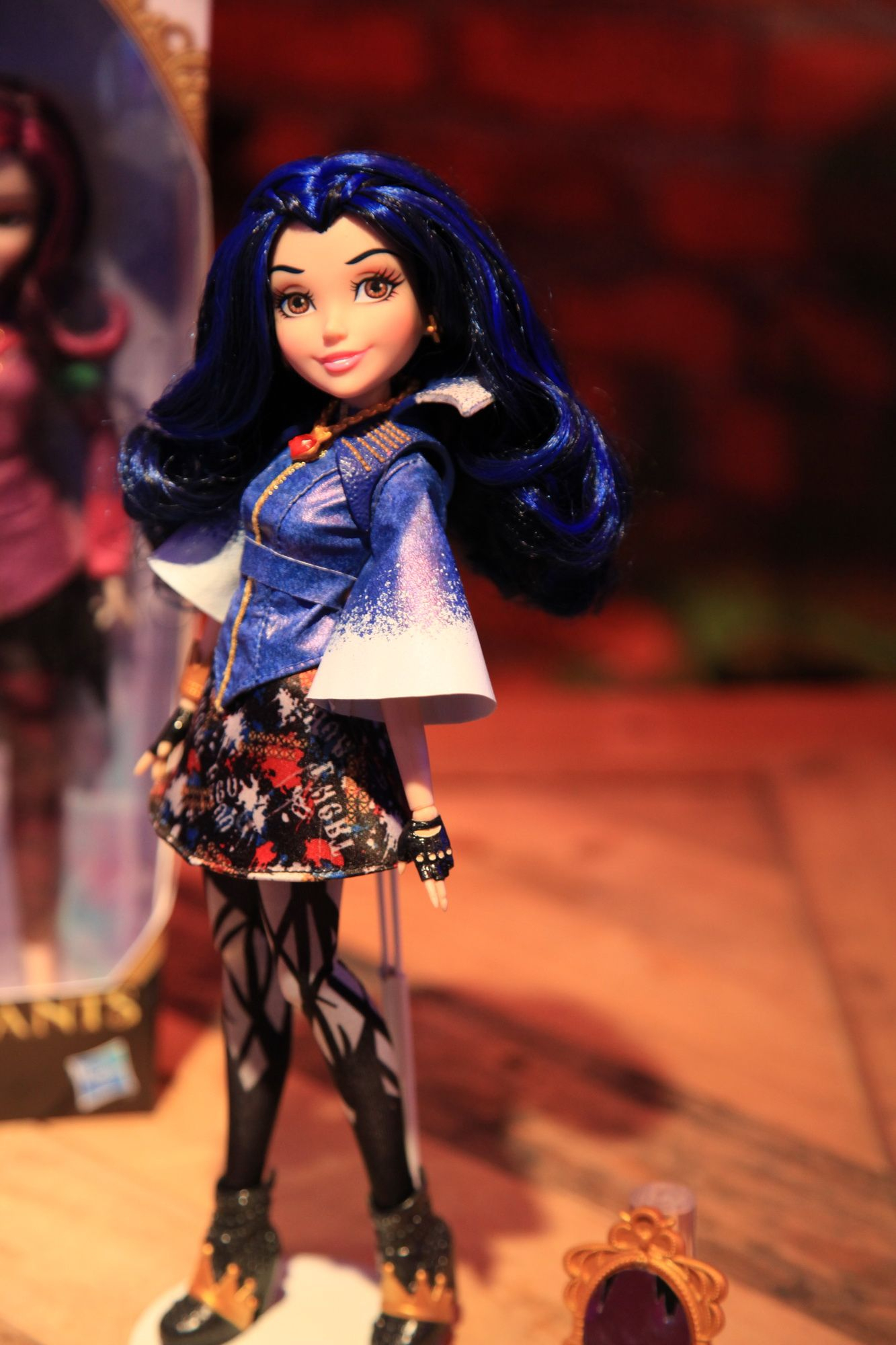 Evie, The Daughter Of The Evil Queen From Snow White, In concernant ?Pingle Sur Evie De Descendants