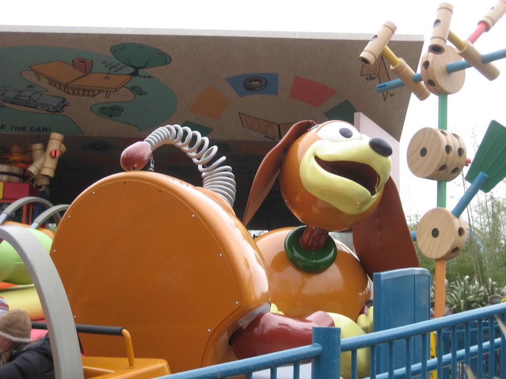 Img_2031 | Slinky Dog Zig Zag Spin Ride. Toy Story dedans Zig Zag Toy Story