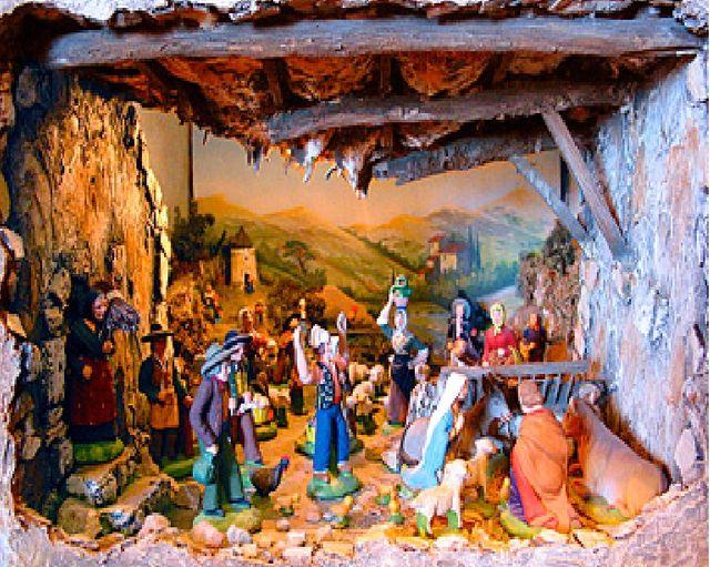 Le Sapin De Noël Et La Crèche Sont-Ils Des Symboles serapportantà Symbole Noel