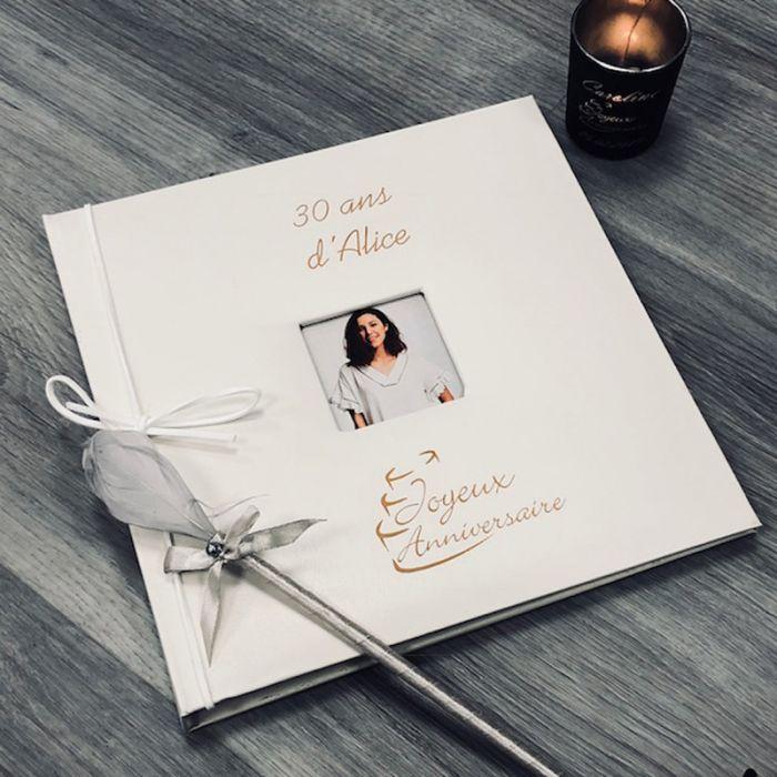 Livre D'Or Anniversaire Pas Cher Personnalisé Par Gravure avec Livre De Coloriage Pas Cher