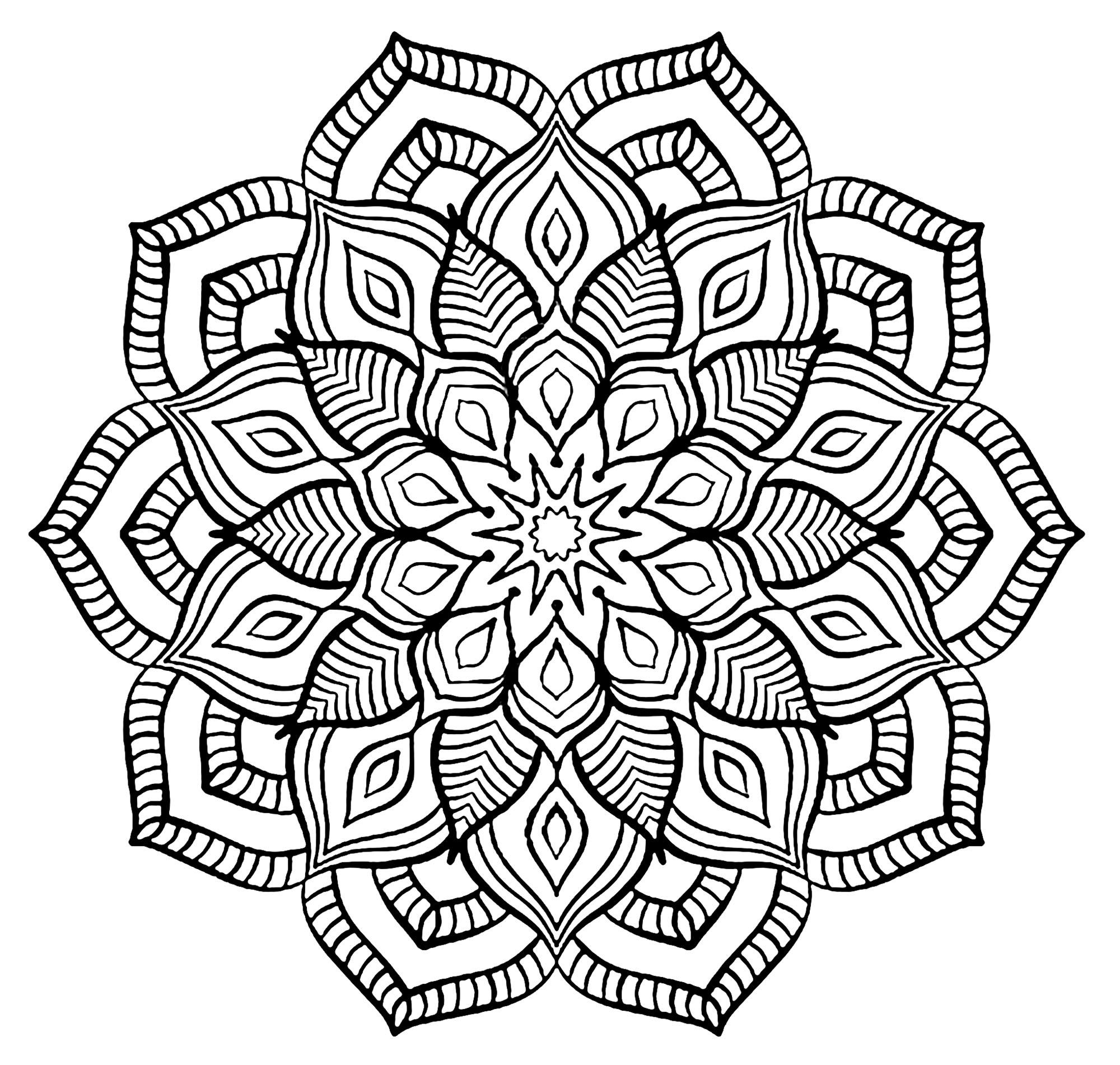 Mandala Grosse Fleur - Mandalas - Coloriages Difficiles tout Coloriage Mandala
