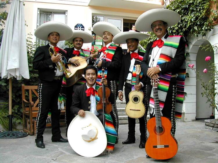 Mariachis Par Hervé Graff Sur L'Internaute serapportantà Musiciens Mexicains