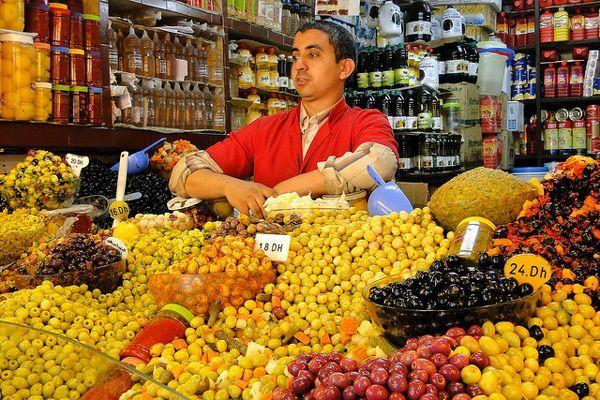 Maroko Bazary – Zakupy I Targowanie Się Na Marokańskim Bazarze tout Lutin Bazar Po?Sie