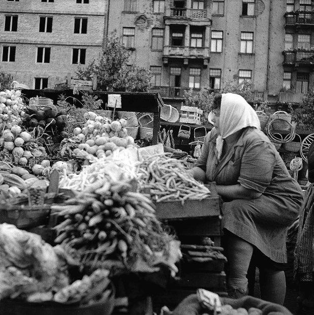 Na Dziko? Zobacz Jak Przed Laty Handlowano W Warszawie concernant Lutin Bazar Po?Sie