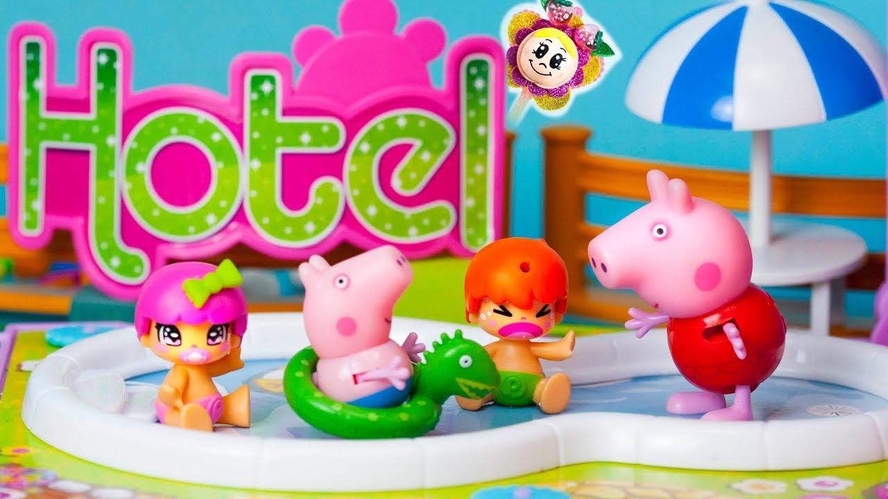 Peppa Pig Et Les Pinypon Sont En Vacances Dans L'Hôtel à Peppa Pig A La Piscine
