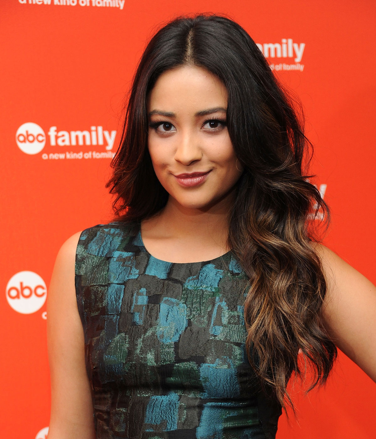 Shay Mitchell At 2012 Abc Family Upfront Presentation In concernant Sitemap_Abc?Famille=