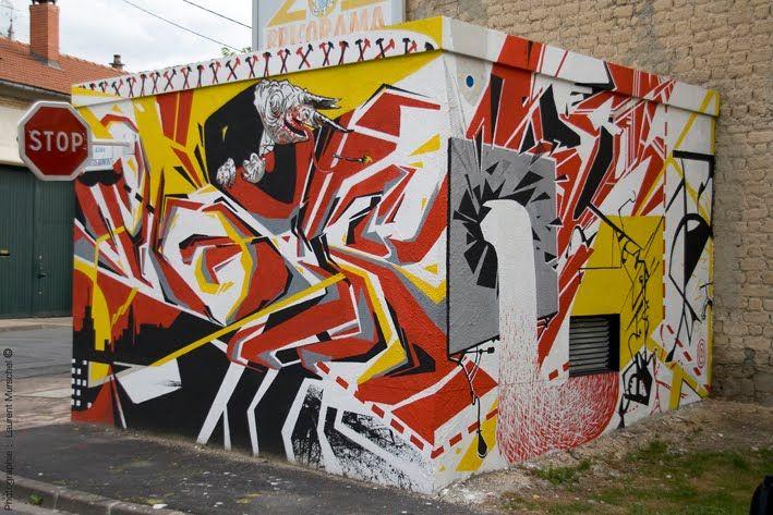 Street Art By Nicolas Saloquin, Romain Gomard, La Clique avec Graffiti Romain