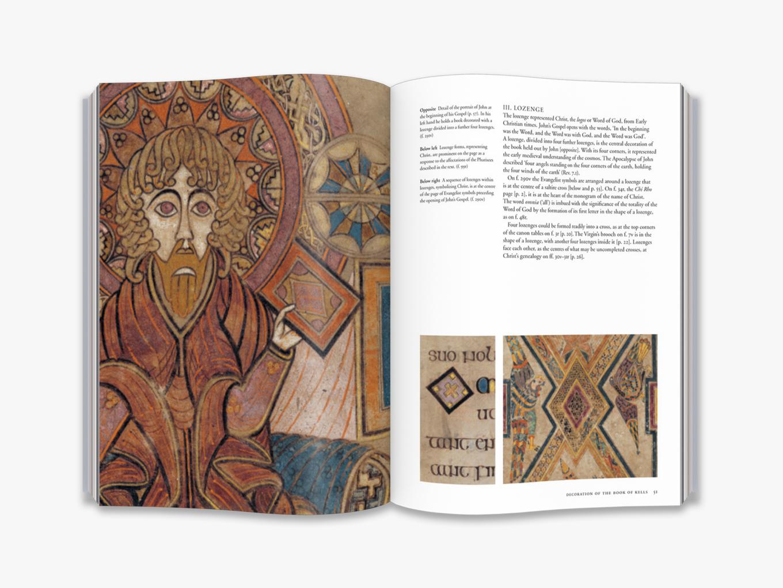 The Book Of Kells avec Script In The Book Of Kells