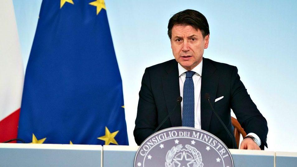 Toute L'italie – Le Pays Entier – Est Maintenant En dedans Calimero Liedje T?L?Chargement