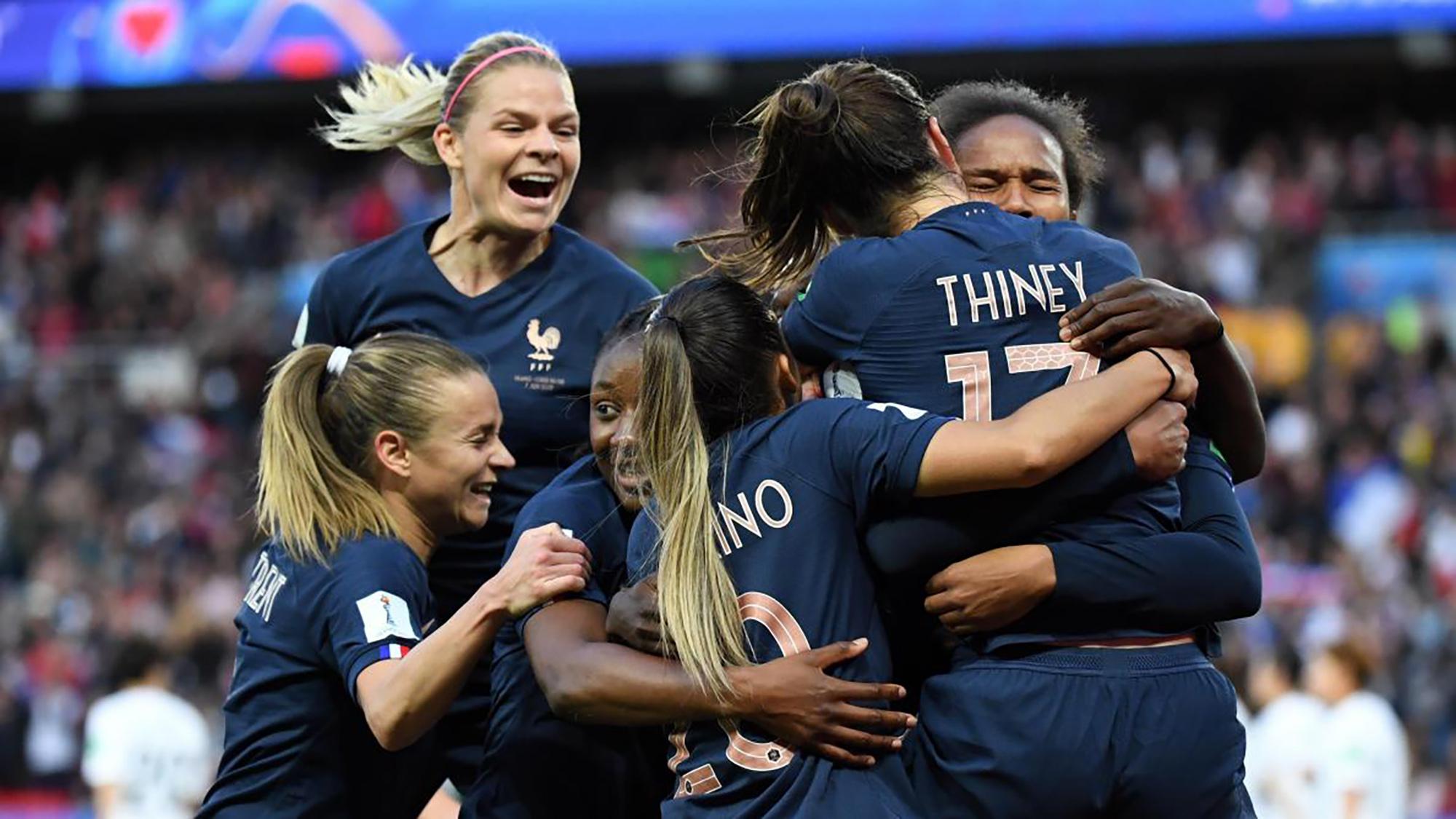 Un Point Sur La Coupe Du Monde Féminine 2019 dedans Ecusson Des Equipes De Foot